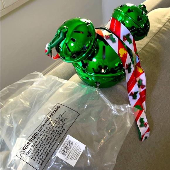 ✨💚Disney Christmas green jingle bell cup 💚✨